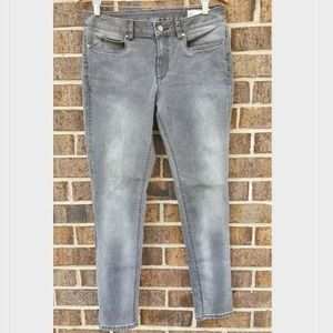Two by Vince Camuto Gray Faded Skinny Jeans